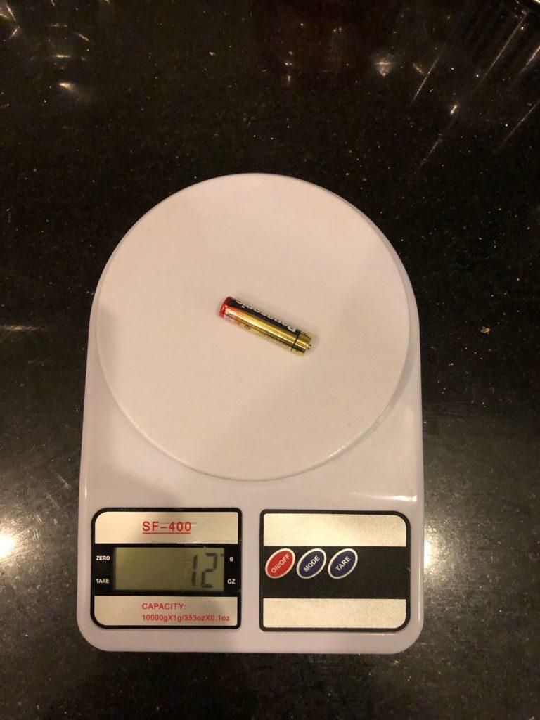 вес батарейки AAA