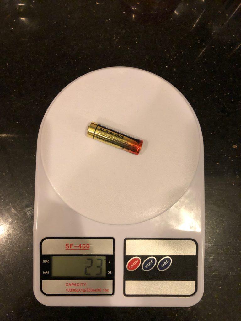 вес батарейки AA