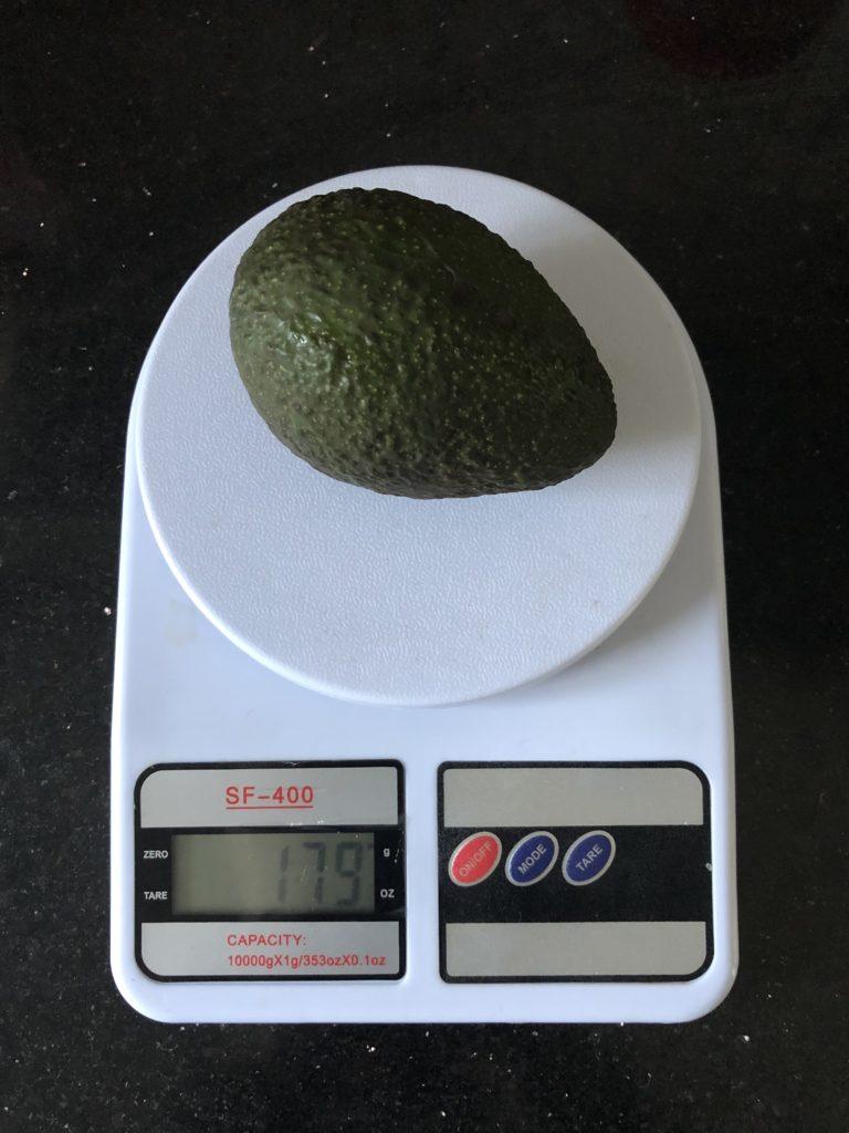 вес авокадо