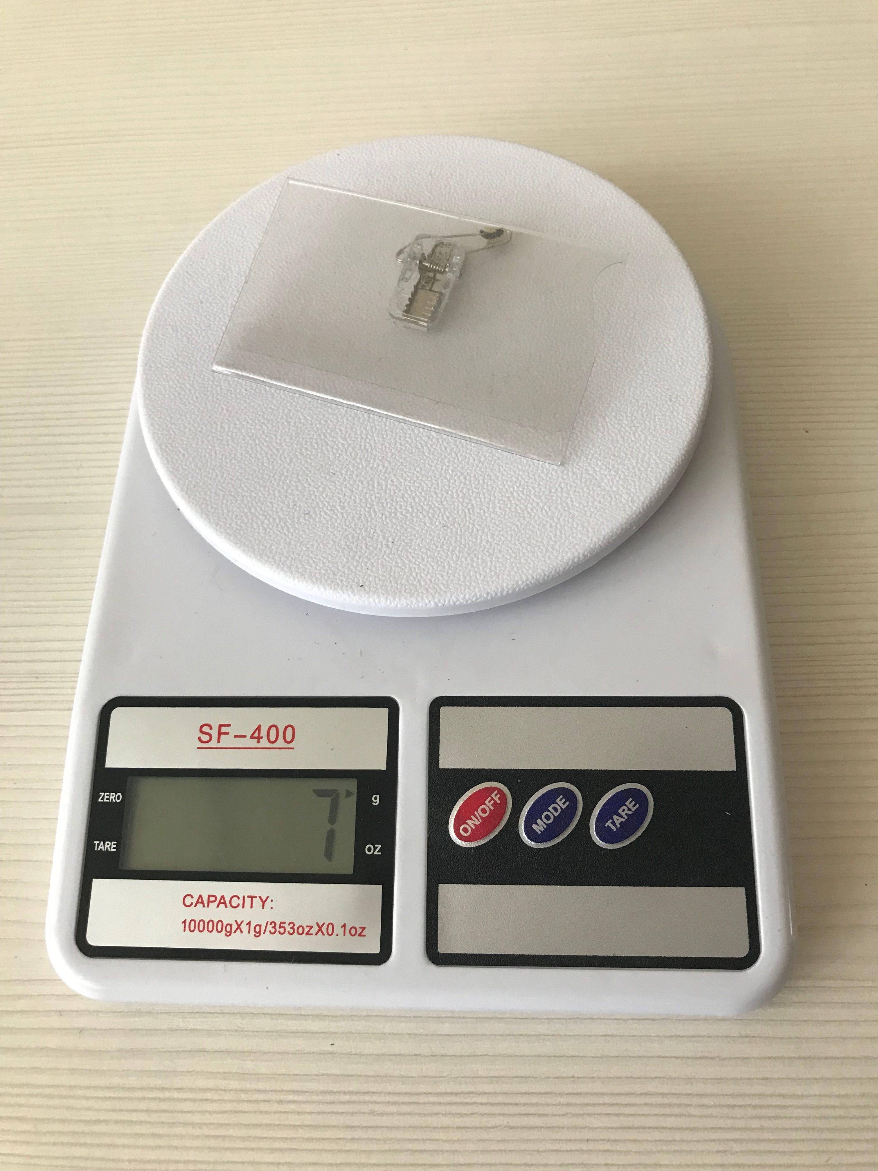 вес бейджа