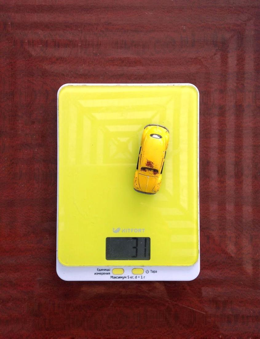 вес маленькой модели автомобиля