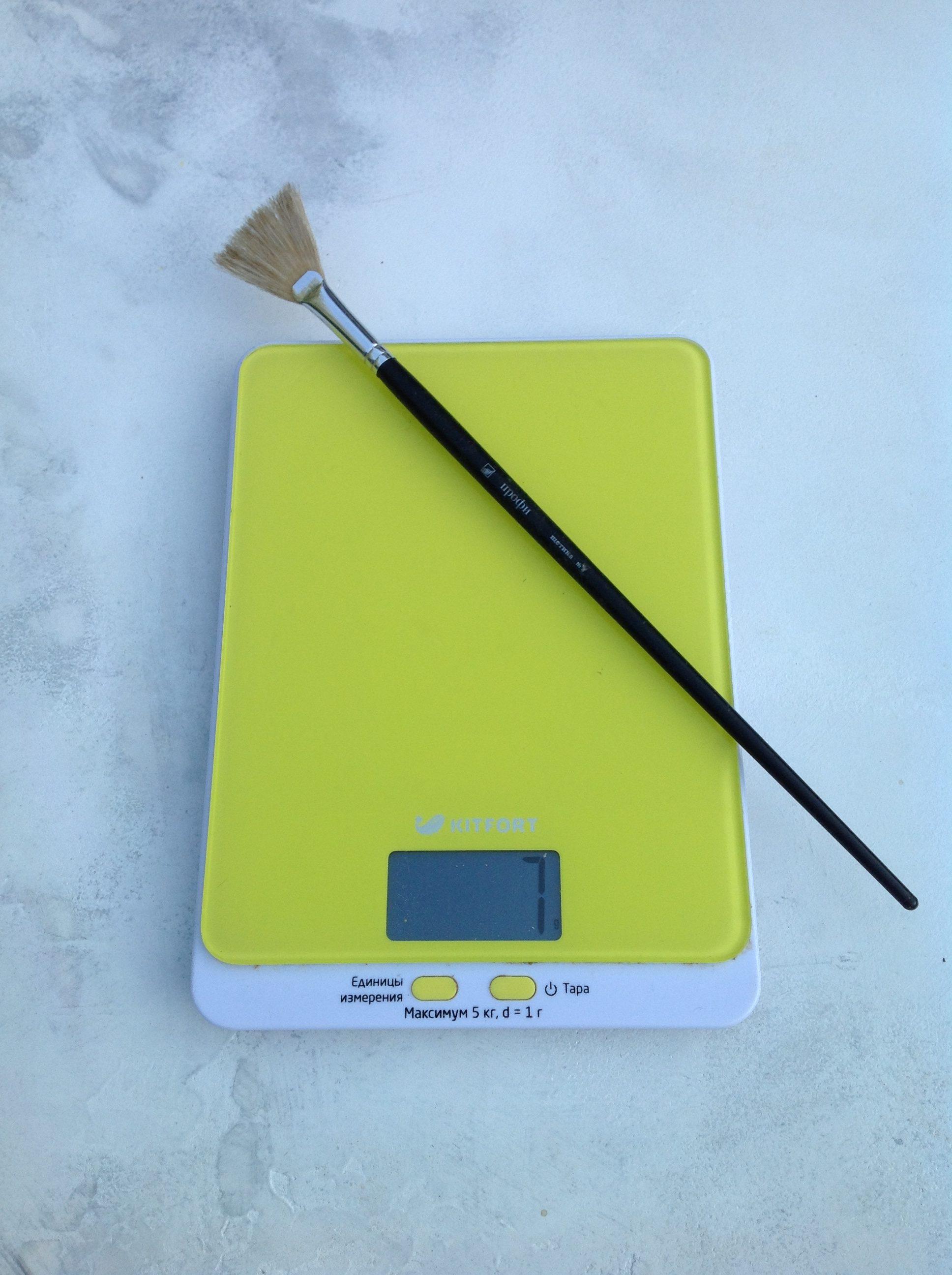 вес веерной кисти для рисования