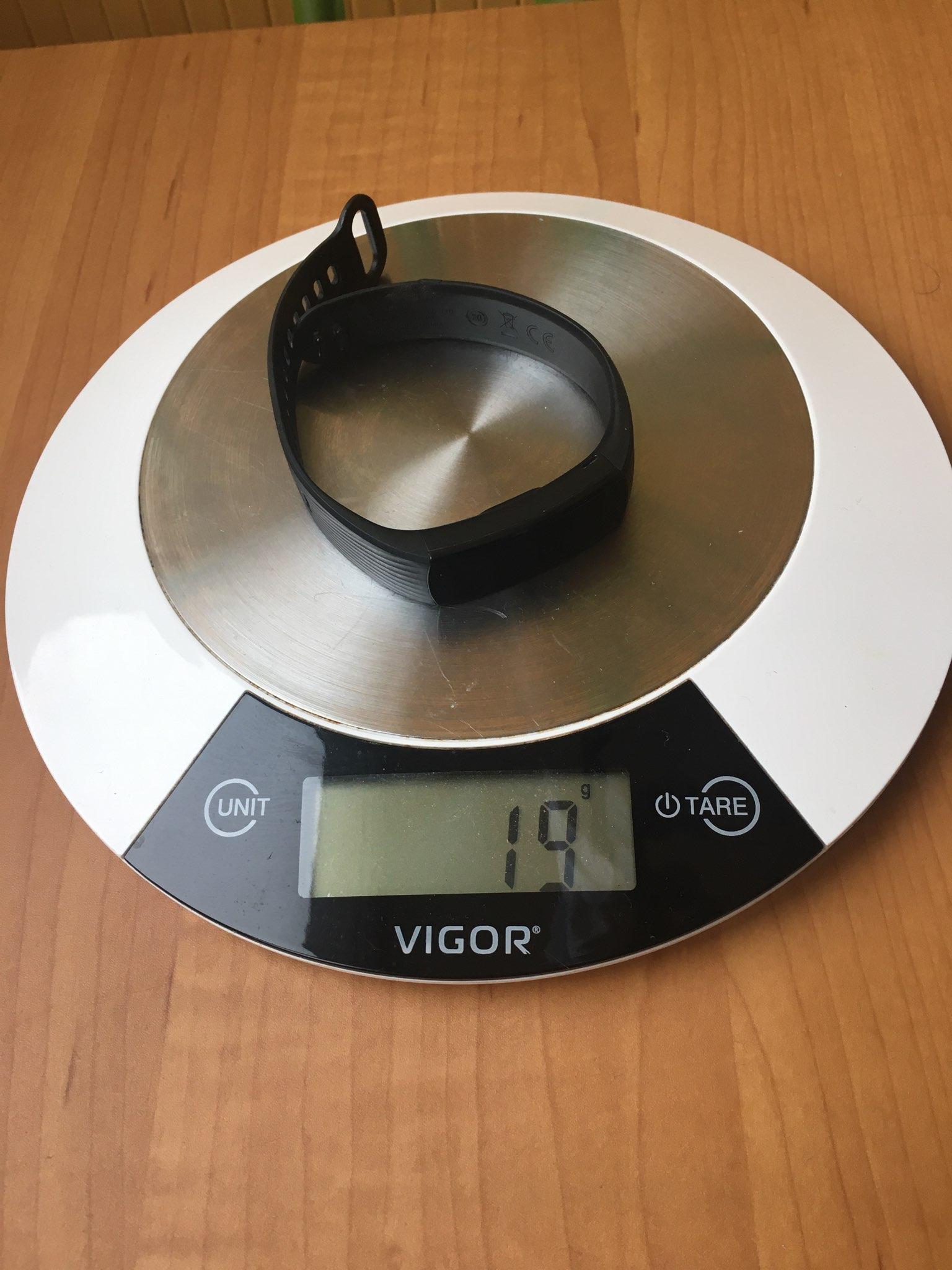 вес фитнес трекера