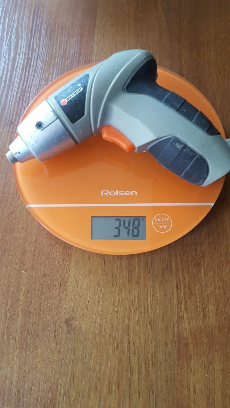 вес шуруповерта