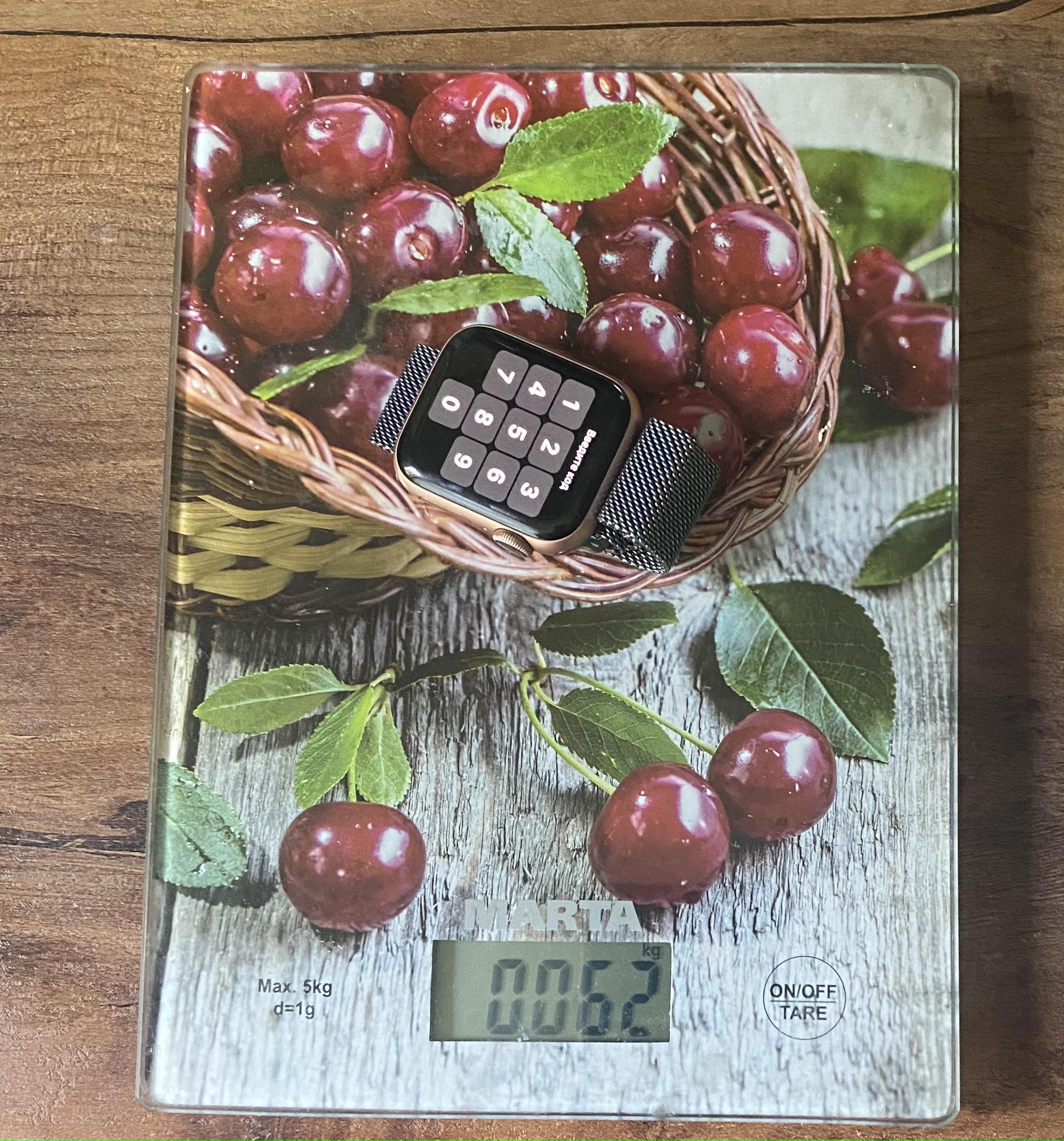 вес apple watch серии 4 40 мм на металлическом браслете