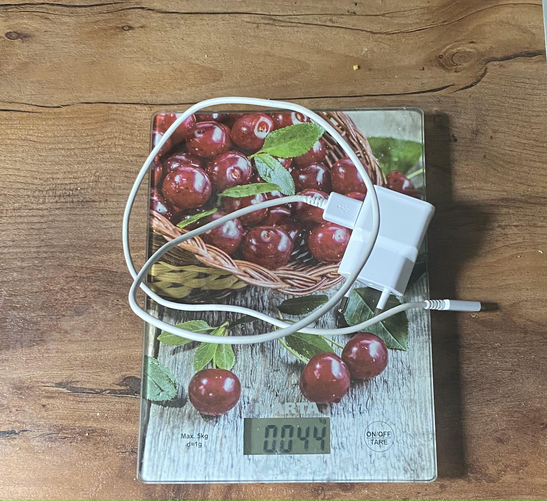 вес зарядного устройство для смартфона Samsung A7